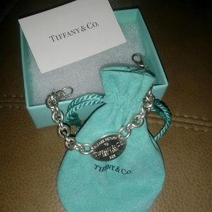 New Authentic Tiffany and Co Oval Bracelet